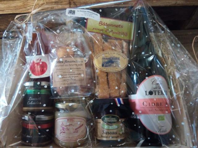 Offrez un panier garni de bons produits locaux de votre épicerie La Suisse Gourmande!